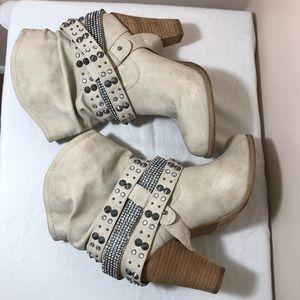 Not Rated Shoes - Not Rated wrap around strap studded booties sz 9